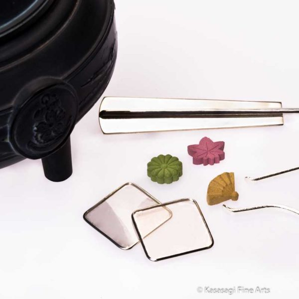 Shoyeido Mica Plates for Incense Chips And Granules