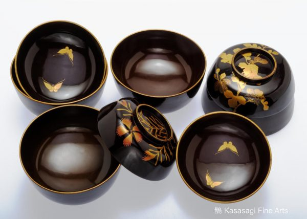 Four Antique Makie Gold Lacquer Covered Bowls